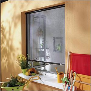 Moustiquaire pour fenêtre à enroulement vertical