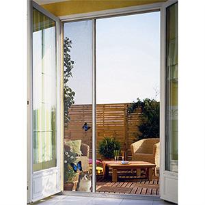 Moustiquaire pour porte-fenêtre à enroulement latéral